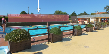 ZONE 3 - Bassin de natation avant les travaux - Emplacement de la future extension (août 2015)