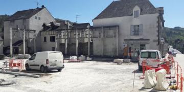 Place Da Maïa - Pose de la grave ciment (17 avril 2018)