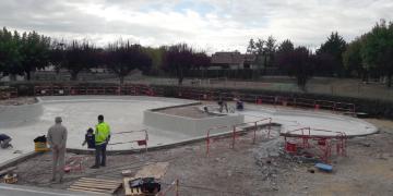 ZONE 1 - Préparation du bassin avant réalisation de la résine - Reprise des entourages de bassin (8 octobre 2018)
