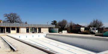ZONE 3 - Reprise des maçonneries périphériques et ponçage du bassin (25 février 2019)